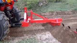 getlinkyoutube.com-Apollo 45 hp tractor with Agmax 6'ft grader blade and rippers.