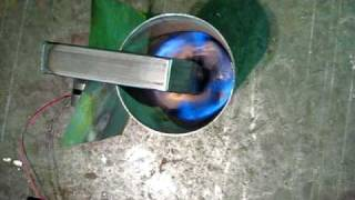 getlinkyoutube.com-小さい廃油ストーブ The waste oil stove gasoline ignition hand made stove