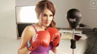 getlinkyoutube.com-Lucy Pinder hot lynx advert