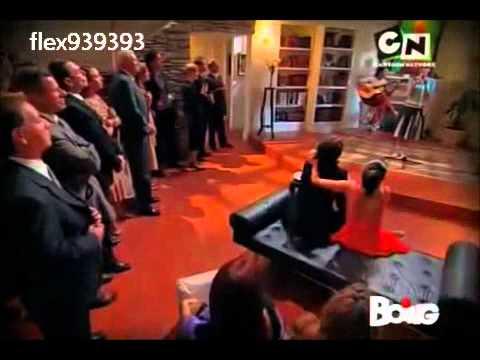 flor canta al fidanzamento di Federico e di Massimo con Delfina