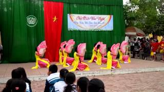 getlinkyoutube.com-Múa quạt - Nét việt