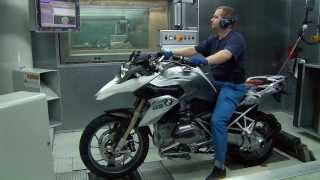 getlinkyoutube.com-How it's made: BMW Motorcycle Assembly.