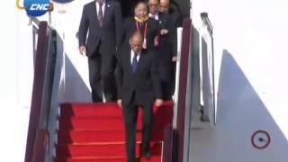 getlinkyoutube.com-APEC: Philippine President Benigno Aquino III Arrives in Beijing