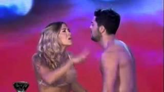 getlinkyoutube.com-Showmatch 2011 - Jimena Barón cerró la coreografía con un beso fallido