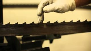 getlinkyoutube.com-How to Sharpen Bandsaw Blades - Wood-Mizer BMS500 - SE Metals
