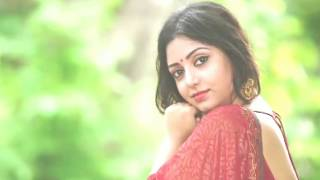 Bengali beauty in backless saree