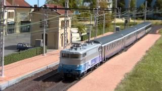 getlinkyoutube.com-Réseau de train HO St Vivien + RRR + BB9300 + sons réels vidéo n°16