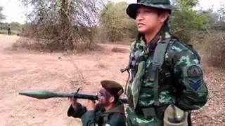 getlinkyoutube.com-ทหารยิงปืนอาพีจีพลาด