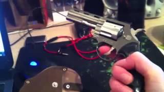 getlinkyoutube.com-Isqueiro em formato de arma