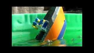 getlinkyoutube.com-Lego Cargo ship sinking 3