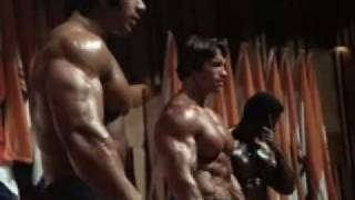 getlinkyoutube.com-Mr. Olympia 1975 - Arnold Schwarzenegger, with Serge Nubret and Lou Ferrigno