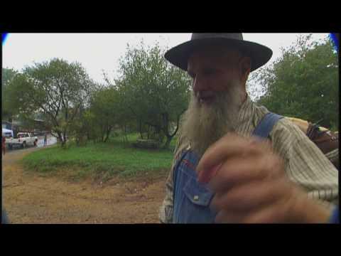 Tennessee Crossroads: Muddy Pond Sorghum Syrup (2509-3)