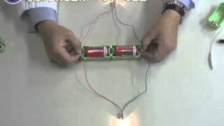 getlinkyoutube.com-電池の直列と並列・いろいろな回路で豆電球をつけよう