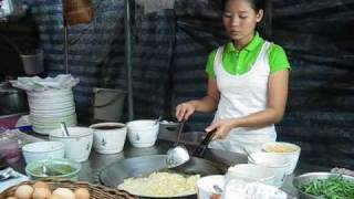 getlinkyoutube.com-Pad Thai Goong - Thai Street Food