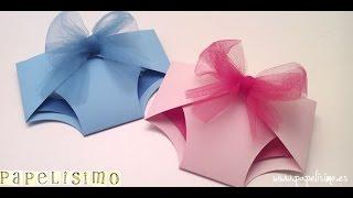 Como hacer tarjeta con forma de pañal baby shower