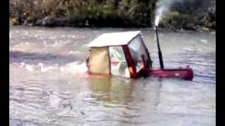 getlinkyoutube.com-traktor u reku (mirosevce).