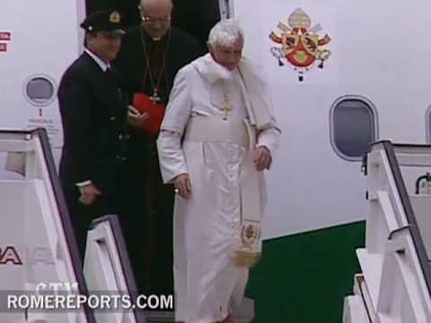 Pope Benedict XVI arrives to Cyprus