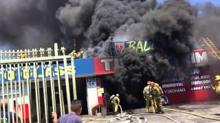 getlinkyoutube.com-LAFD Task Force 33 - JP's Last Shift - Commercial Structure Fire - 139 E. Manchester -