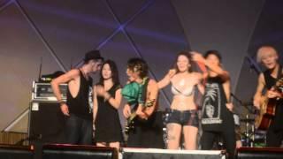 getlinkyoutube.com-One Ok Rock - South American Tour BRAZIL (Wherever you are) FINAL 7-7