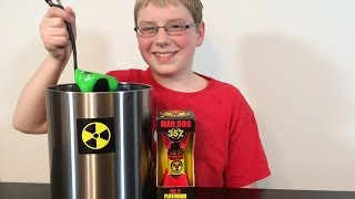 getlinkyoutube.com-12-yr-old eats Plutonium (9 Million Scoville) Mad Dog 357 : Crude Brothers