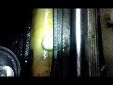Где находится в Ягуар X-Type радиатор кондиционера