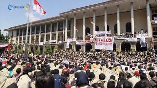 getlinkyoutube.com-Demo Besar! Ribuan Mahasiswa UGM Geruduk Gedung Rektorat