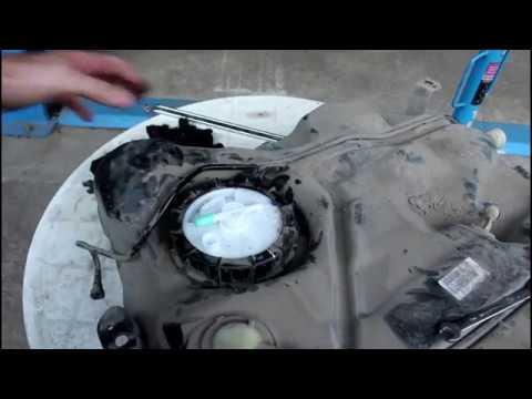Замена бензонасоса в баке Ford Focus II 1 6 Форд Фокус 2009 года