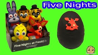 getlinkyoutube.com-Five Nights At Freddy's Plush &  Surprise Playdoh Egg & 3 FNAF Blind Bag Box