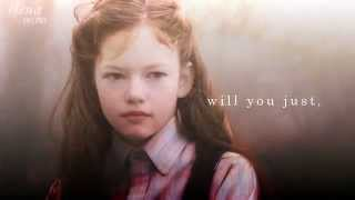 getlinkyoutube.com-Mackenzie Foy 🍂🍁 'if you leave'  [w/ Mimi]