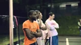 getlinkyoutube.com-おじいちゃんがバスケ!?おじいちゃんの正体はNBAの・・・。