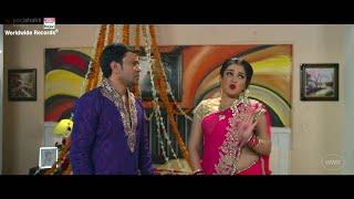 getlinkyoutube.com-KISSING Dinesh Lal Yadav, Aamrapali Dubey, Kajal Raghwani   AASHIK AAWARA -Jhumka Jhulaniya Diha
