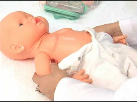 Massagem para cólicas nos bebês