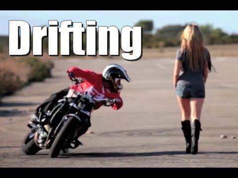 pambalam sepeda motor hebat.. yang mampu melewati rintangan sulit dan sempit. dan hanya menjatuhkan beberapa cone... ada aksi kocak juga lhoo.. :D