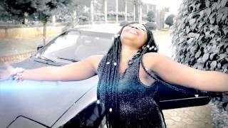 Momo Ovarine - Honneur à la femme