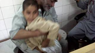 getlinkyoutube.com-scared child from injection in DR FAISAL KHANs clinic