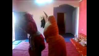 getlinkyoutube.com-عائلة ليبية مجنونة جدا - رقص شباب علي الزمزمات