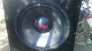 getlinkyoutube.com-Proba boxe alien pe amplificator yamaha ax-900
