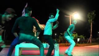 getlinkyoutube.com-Funny Dance Hussein Aljasmi - Boshret Kheir حسين الجسمي - بشرة خير