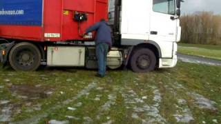 getlinkyoutube.com-TOMTOM means big trouble for a trucker 2