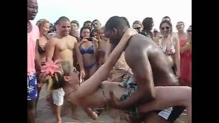 getlinkyoutube.com-CRIOLA BEACH FESTIVAL 2012: HOT DANCE KUDURU-AFROHOUSE on the beachAfro-house on the beach!