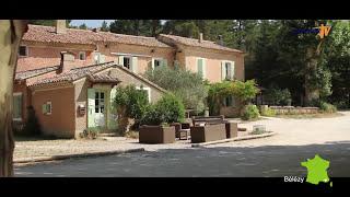getlinkyoutube.com-Vidéo camping naturiste Bélézy - Film 2014 -  France 4 Naturisme sur Naturisme TV