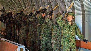 getlinkyoutube.com-第1空挺団(陸上自衛隊) アラスカで模擬降下訓練 - 1st Airborne Brigade (JGSDF) Mock Door Training in Alaska