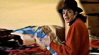 getlinkyoutube.com-Michael Jackson - Christmas Home Videos 1993 - GMJHD