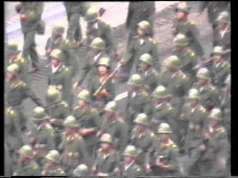 解放軍第27軍荷槍實彈入京城Heavily Armed PLA 27th Troops occupied Bejing