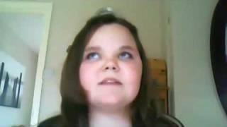 getlinkyoutube.com-Mädchen dreht völlig durch weil sie die töne nicht trifft