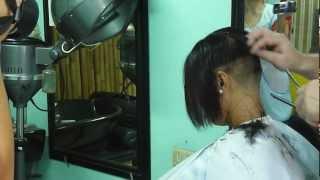 getlinkyoutube.com-Extreme bob cut at the Barbershop