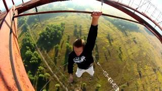 getlinkyoutube.com-Подборка реально страшных и отмороженных  трюков на высоте!Жизнь в Кайф