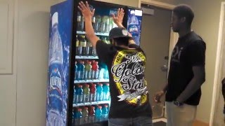 getlinkyoutube.com-How to get free drinks from vending machine