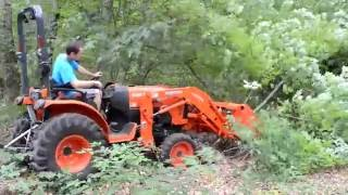 getlinkyoutube.com-Removing trees and brush with a compact tractor bucket (Kubota B2650)