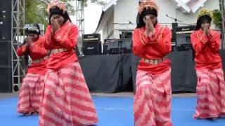 getlinkyoutube.com-Tarian Daerah Melayu Kalimantan Barat - Ca' Uncang dan Tanda'